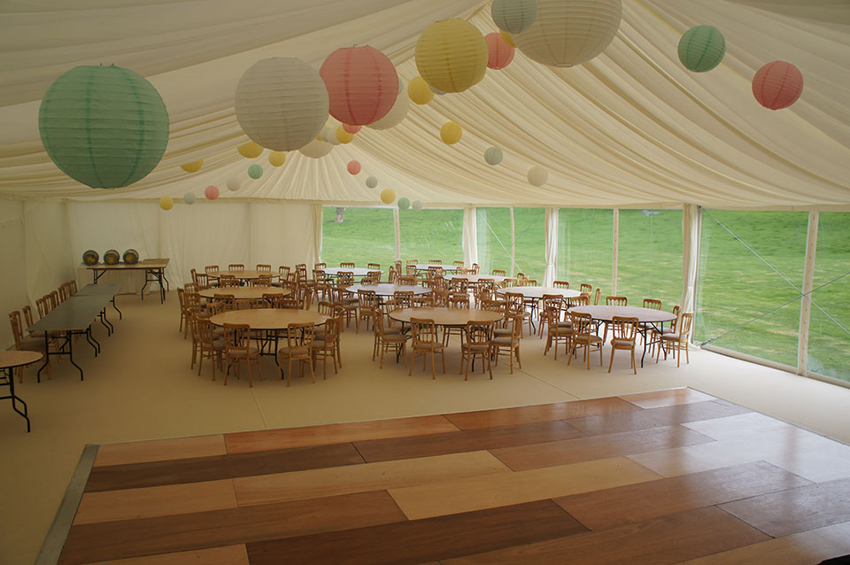 Vintage Wedding Décor Ideas for Your Marquee